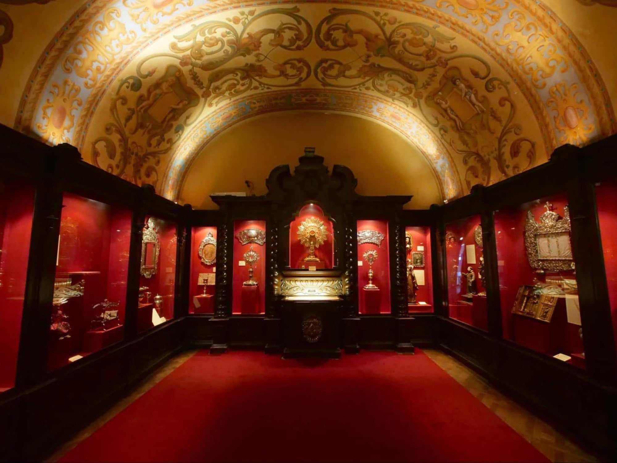 Museo de Arte Hispanoamericano Isaac Fernández Blanco interior