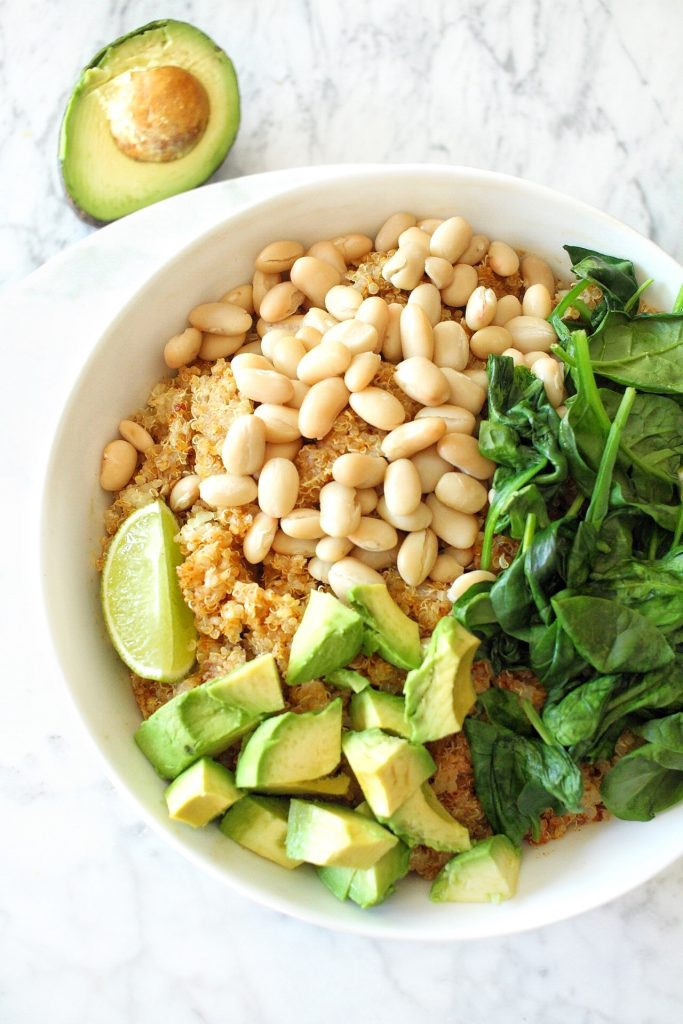 smokey avocado bowl with spinach and white beans