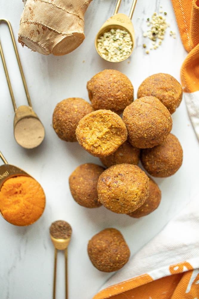 how to make pumpkin superfood energy bites