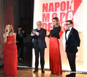 Premio a Gino Finizio per NapoliModaDesign