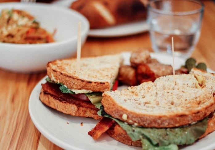 Onder Ons in Reek - Sandwich