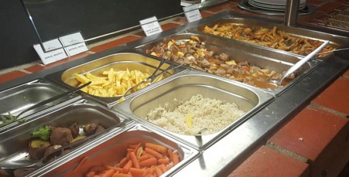 quitanda do forte restaurante tradicional buffet carcavelos buffet 2