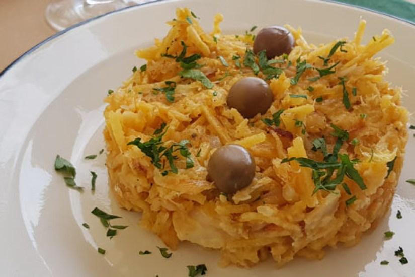 barmacia restaurante petiscos comida portuguesa praia das maças colares moqueca bacalhau bras