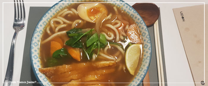 ramen: udon noodle bar & restaurante