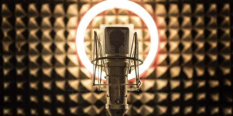 Read more about the article ТОП 30 ресурсов – Бесплатные уроки вокала онлайн (2021)