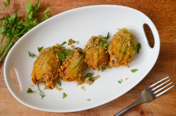 herb-quinoa-stuffed-zucchini-blossoms-vegan-1