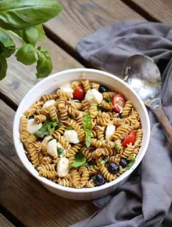 CAPRESE PASTA SALAD WITH BALSAMIC VINAIGRETTE