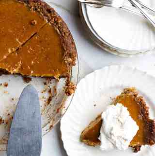 fresh pumpkin pie | homemade pumpkin filling | gluten free pie | gluten free walnut crust | how to make a gluten free pie