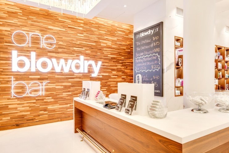 Macy's-Herald-Square-Blow-Dry-Bar-NYC-13
