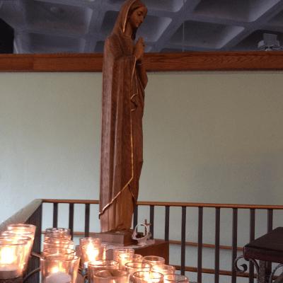 PrayerCandlesAndMary150