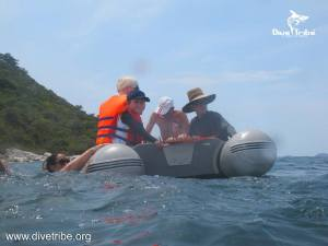 www.onebrownplanet.com, beach clean, thailand, plastic pollution, dingy