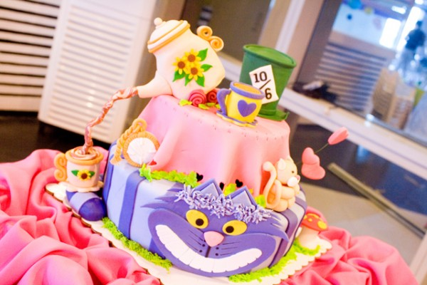 Alice in Wonderland Themed Party - 01