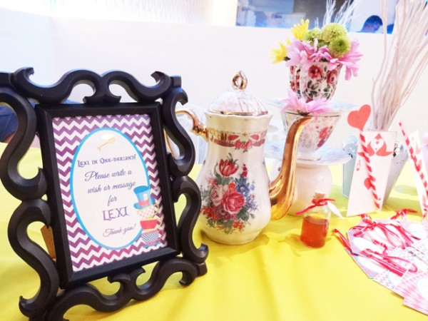 Alice in Wonderland Themed Party - 27