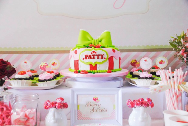 strawberry dessert table-2