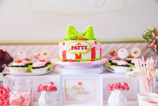 strawberry dessert table