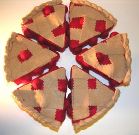 More Felt Food Tutorials: Pie, Crackers and Cake!