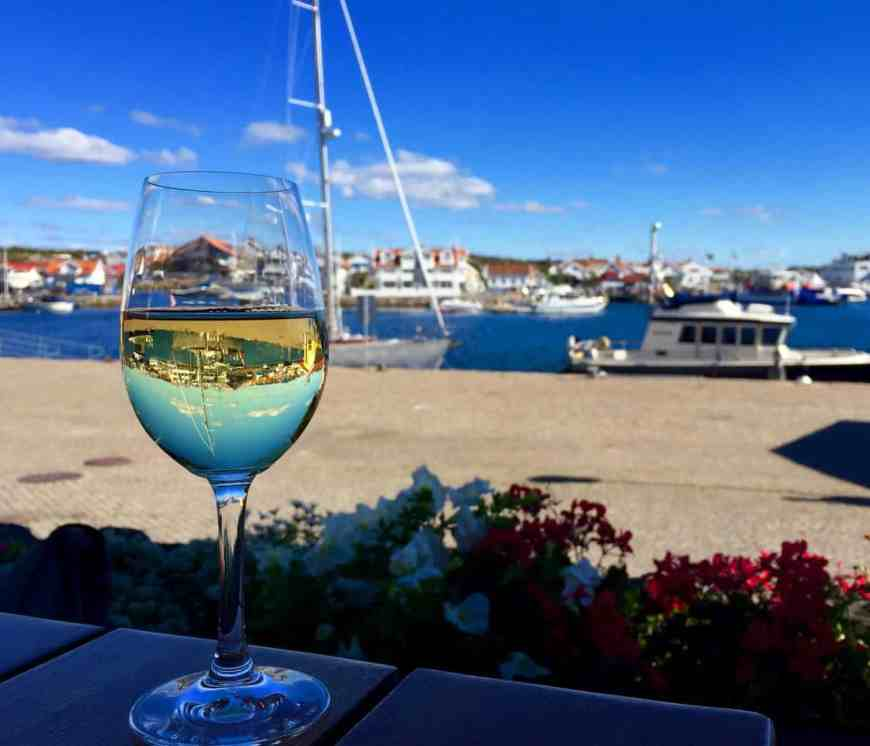 Lunch in Marstrand Sweden while sailing the Gothenburg archipelago in Sweden...how to rent a sailboat on Airbnb & sail in Sweden, planning your trip, including Björkö, Marstrand, & Grötto. Sweden itinerary ideas & trip planning advice. #sweden #airbnb