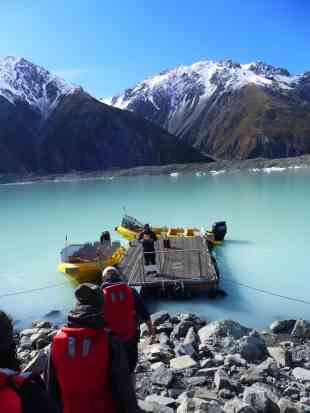 What to do in New Zealand...a glacier lake boat tour is a must in New Zealand, tips for visiting Tasman Lake on the South Island. New Zealand itinerary advice & trip planning, what to do near Lake Tekapo or Mt. Cook in New Zealand #newzealand #glacier