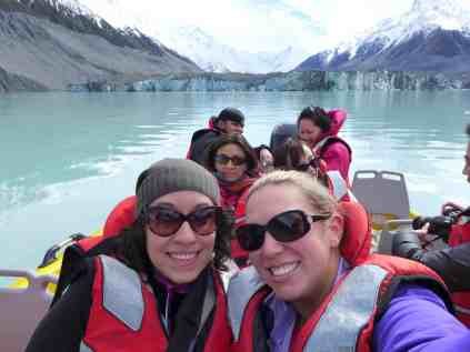 A boat tour on Lake Tasman, New Zealand | A glacier lake boat tour is a must in New Zealand, why you have to visit Tasman Lake on the South Island. New Zealand itinerary advice & trip planning, what to do near Lake Tekapo or Mt. Cook in New Zealand #newzealand #glacier