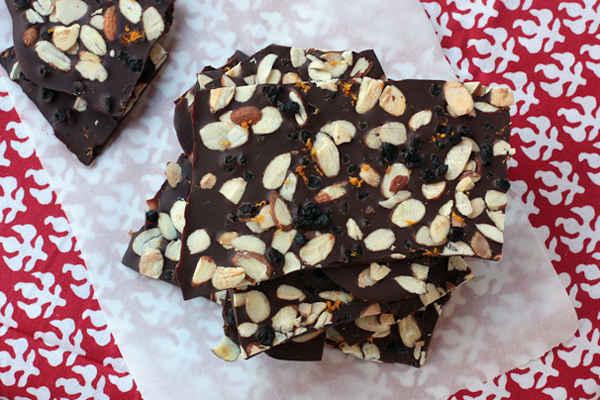 Recipe: Blueberry-Almond Dark Chocolate Bark