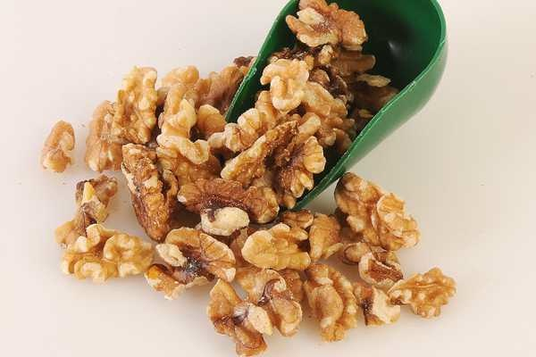 Eat More Nuts! Omega-3s May Lower Alzheimer's Disease Risk