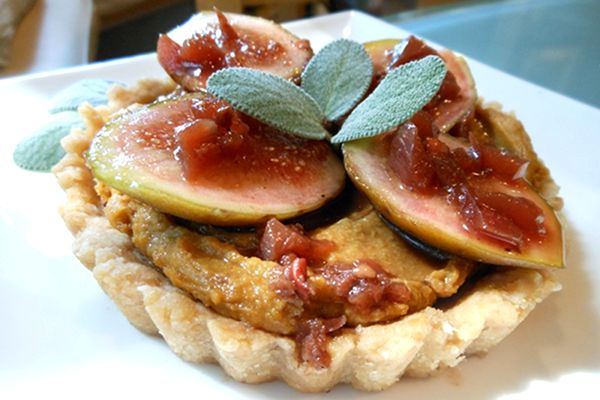 Recipe: Southern Savory Tarts with Butter Bean Puree, Fresh Figs, and Sweet Tea Drizzle