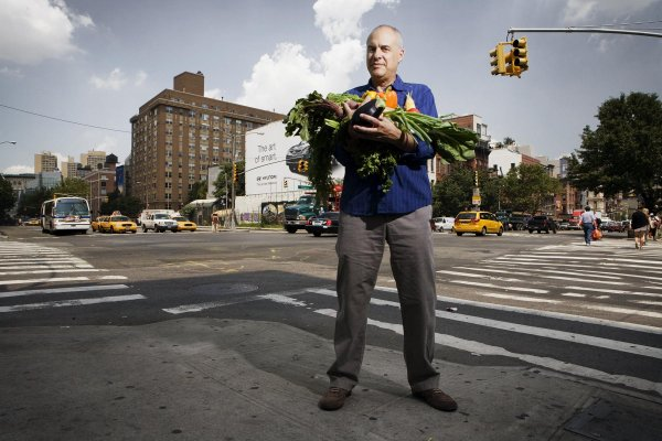 "New York Times Food Columnist Mark Bittman Gets Book Deal for ""Vegan Before 6"""