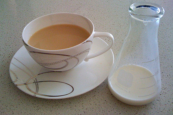 Milk Blocks Tea's Healthy Attributes