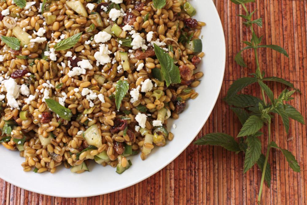7 Steps for Making Refreshing Summer Salads