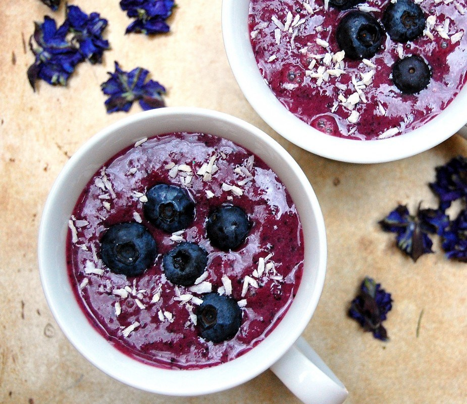 Blueberry-Acai-Smoothie-926x800-925x800