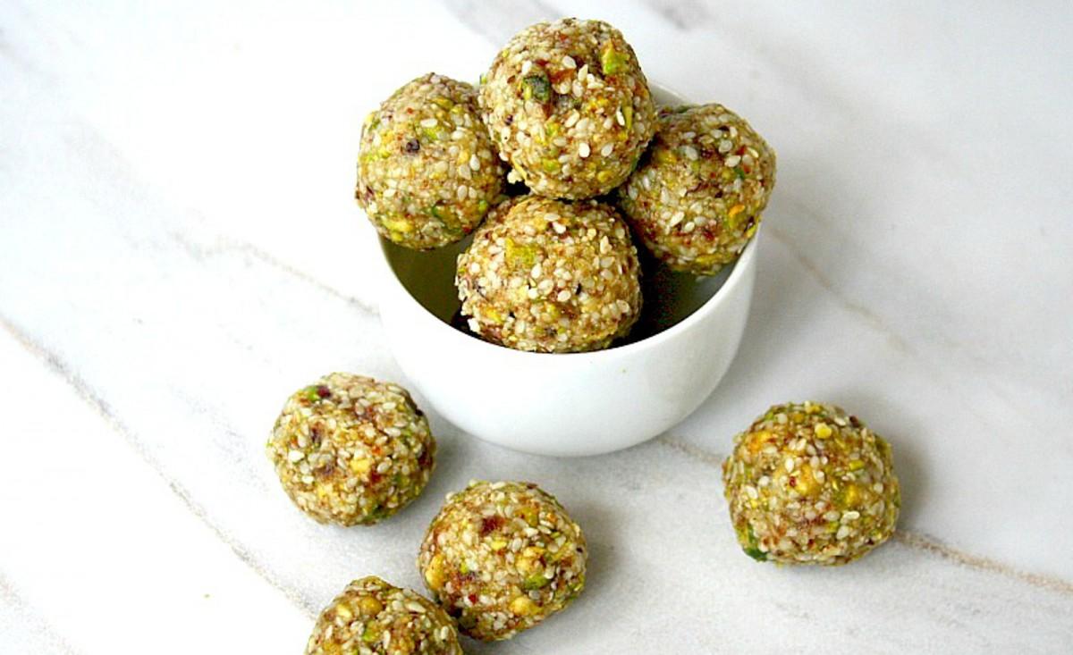 Pistachio-Sesame-Seed-Balls-1200x733