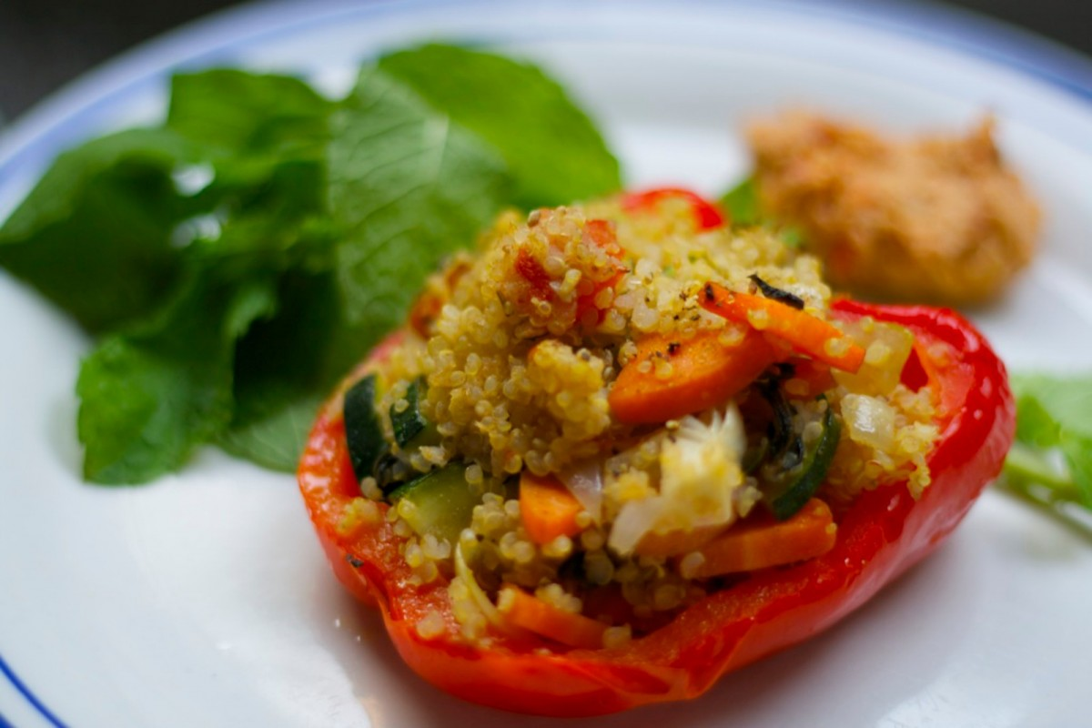 Quinoa-Stuffed-Bell-Peppers-Vegan-1200x800 (1)
