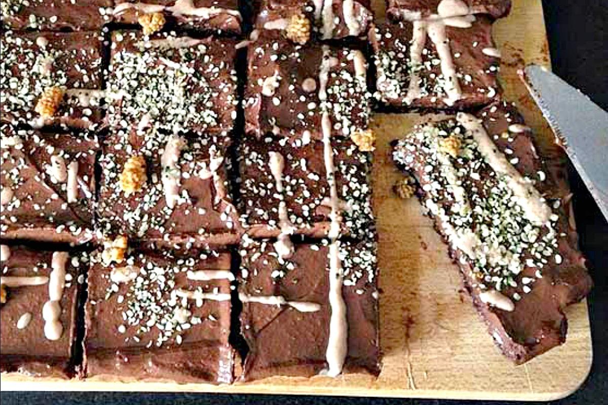 Raw-Vegan-Chocolate-Brownie