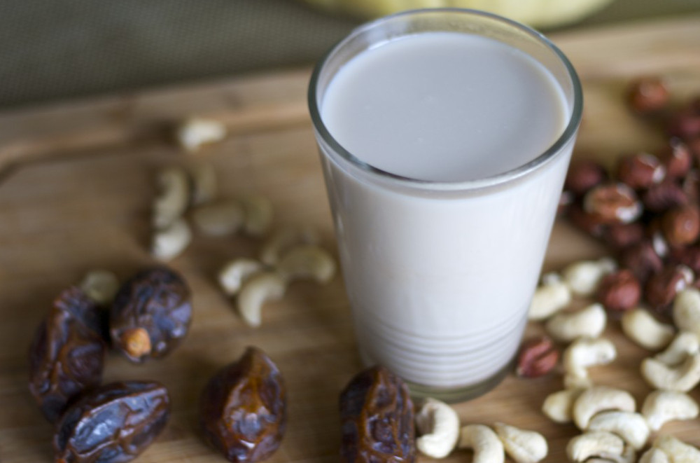 Homemade-Cashew-Milk
