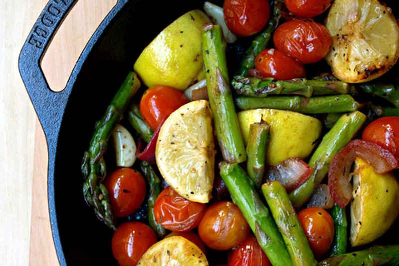 Skillet-Asparagus-Tomato-Medley (1)