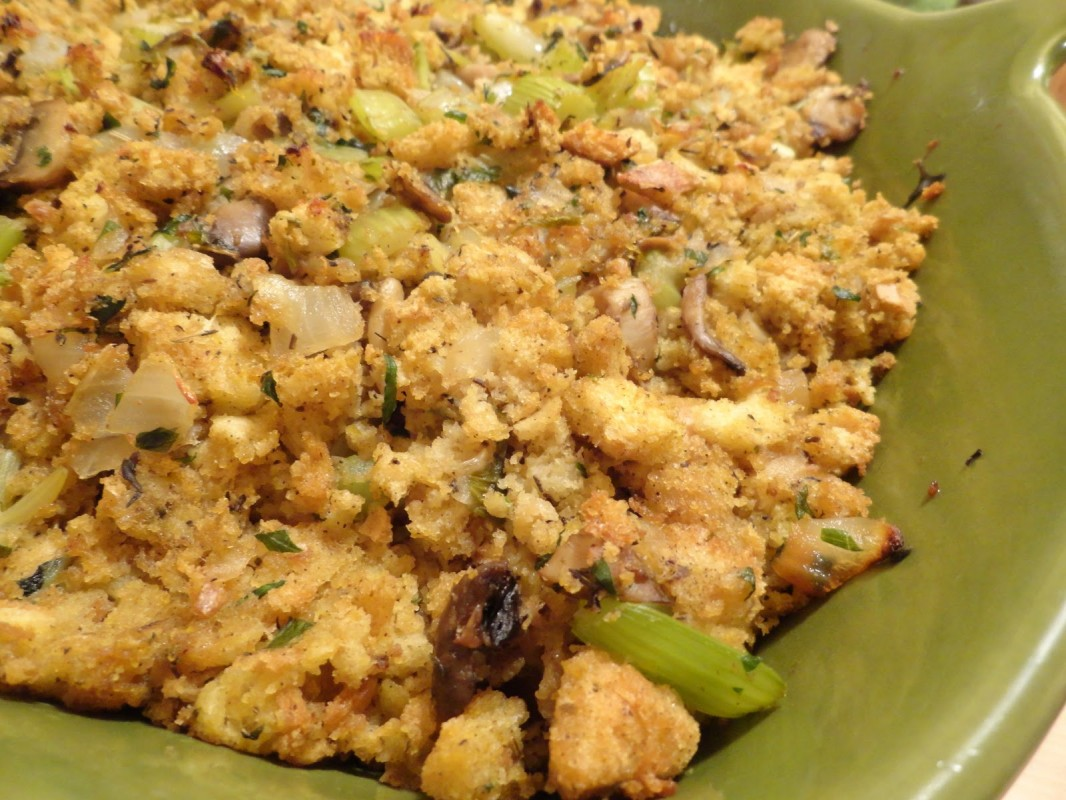 Onion-Celery-and-Mushroom-Stuffing-1066x800