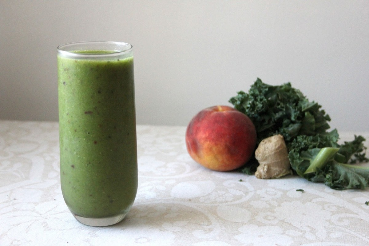 Peachy-Ginger-Green-Smoothie-1200x800 (1)