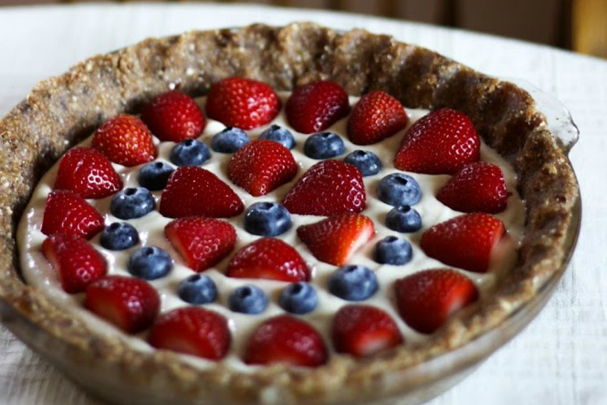 Summer Berry Cashew Cream Pie [Vegan, Raw, Gluten-Free]