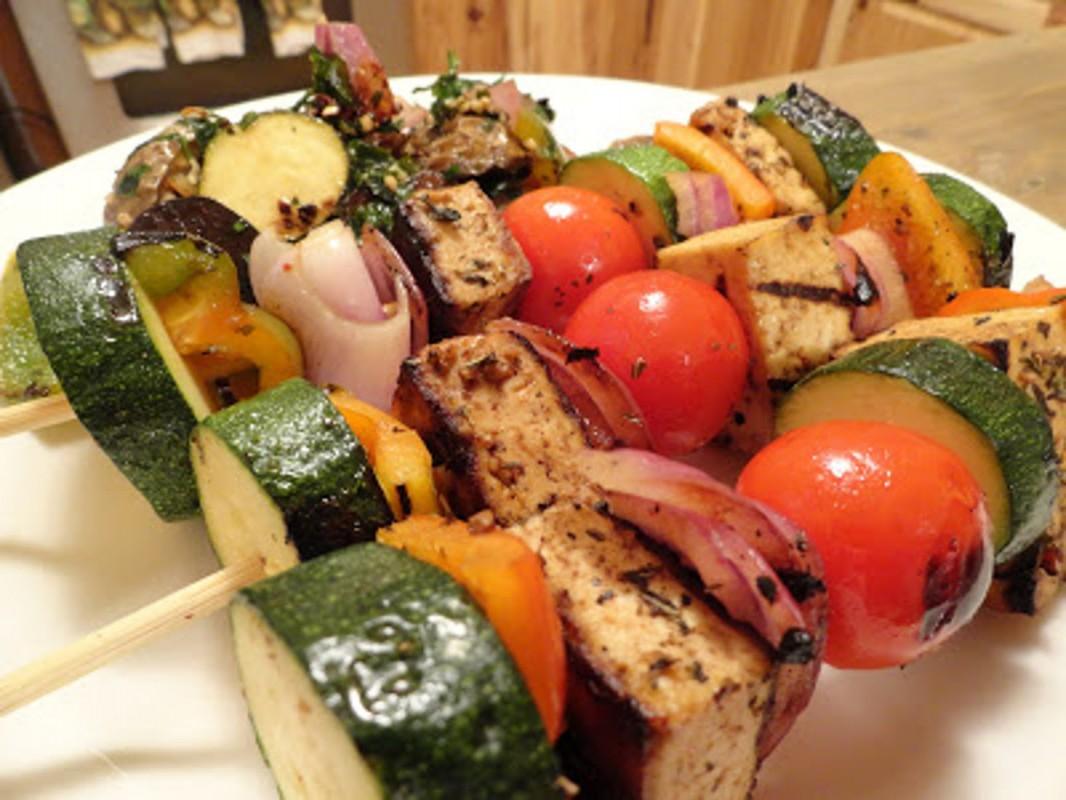 Spicy-Balsamic-Tofu-Veggie-Kabobs-1066x800 (1)