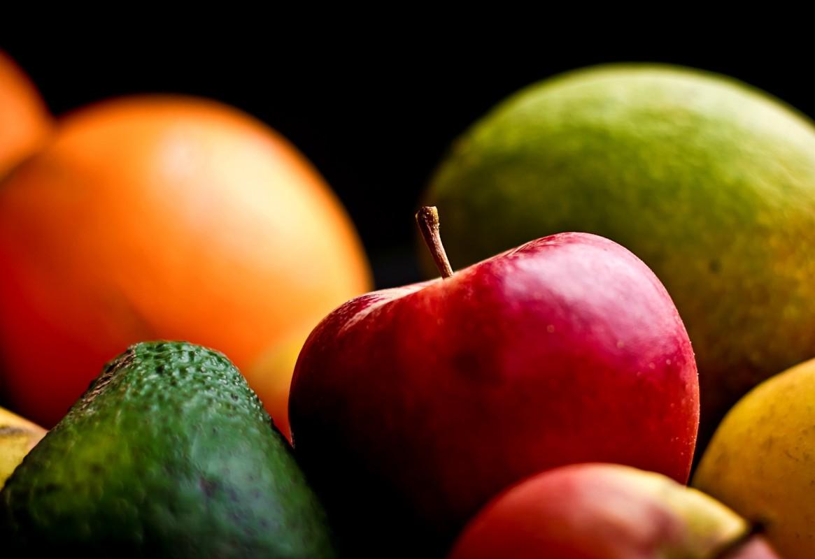 fruit-1165x800 (1)
