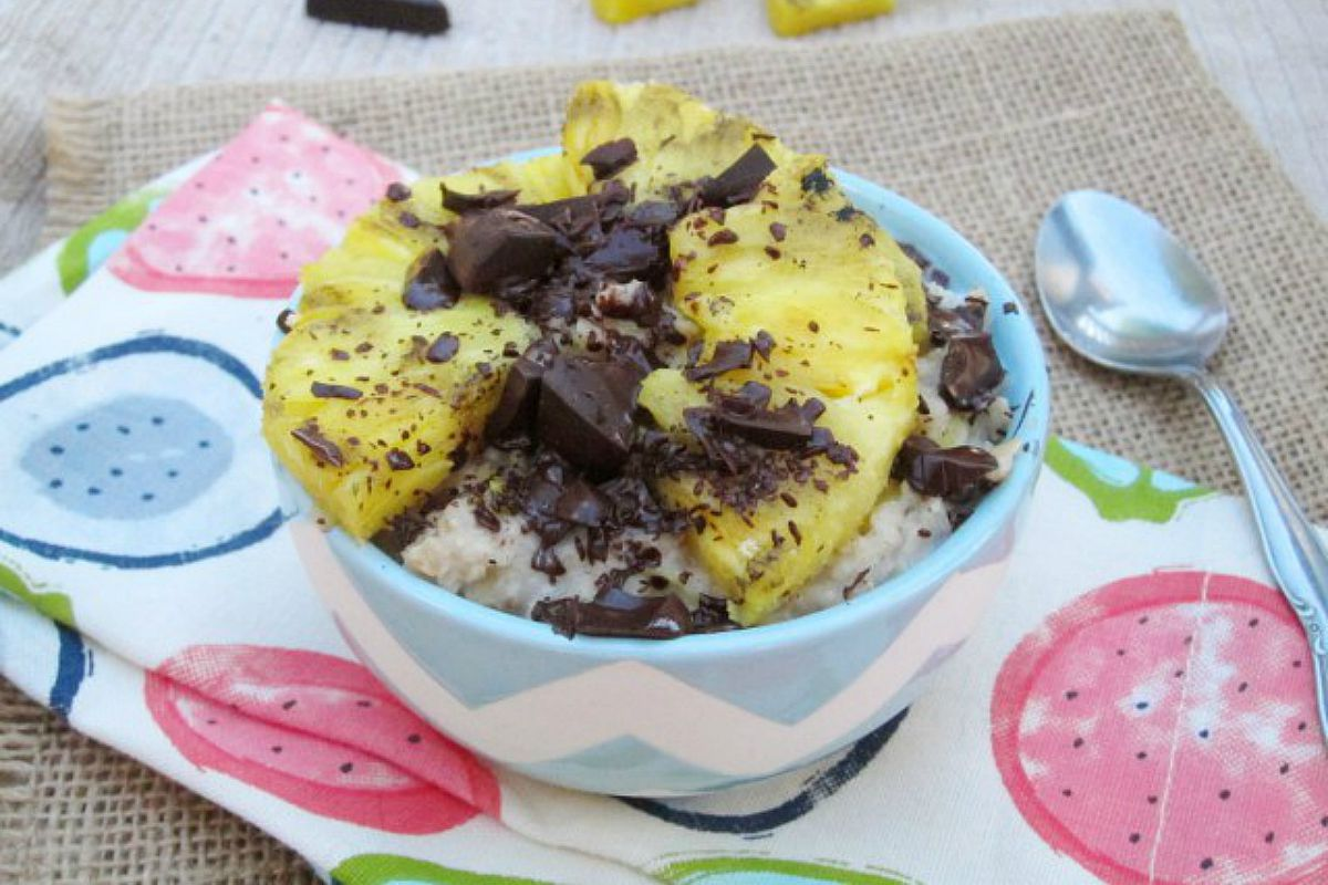 Grilled Pineapple and Dark Chocolate Oatmeal [Vegan, Gluten-Free]
