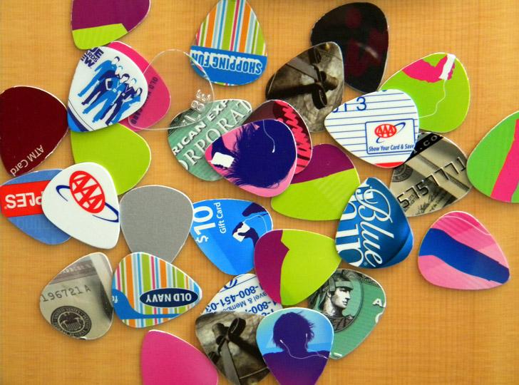 credit-card-guitar-picks-by-KitschTwentyTwo