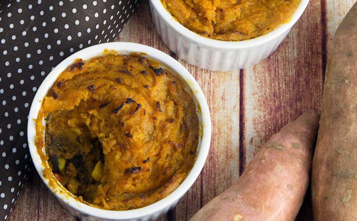 Black Bean Chili Pot Pie With Cumin Sweet Potato Crust [Vegan, Gluten-Free]