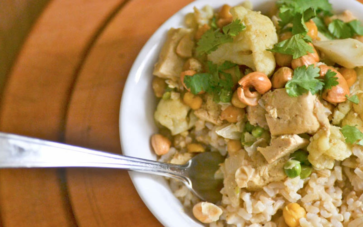 Cauliflower Chickpea Cashew Curry