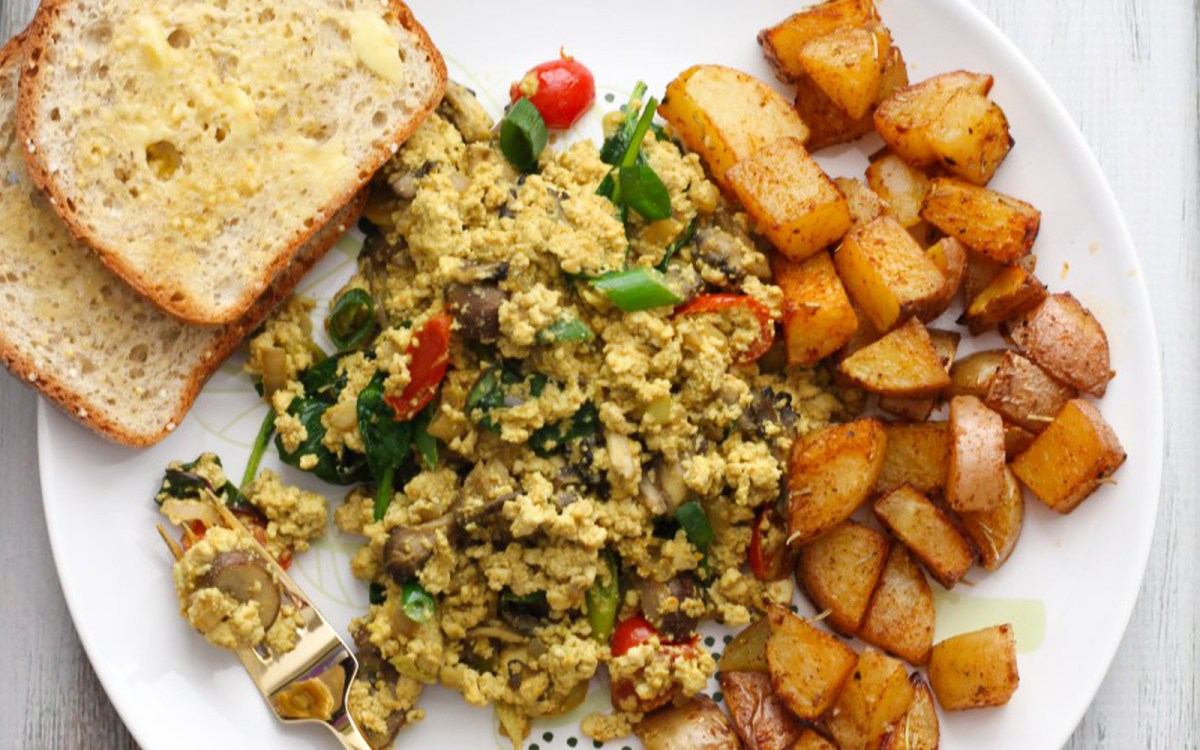 Mushroom Tofu Scramble With Roasted Paprika Potatoes