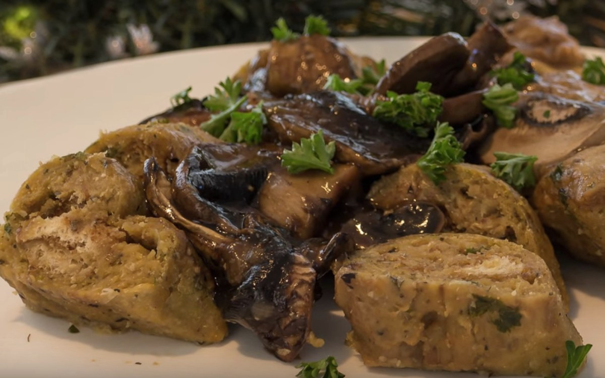 Mini Stuffed Seitan Roasts With No-Cook Stuffing and Instant Mushroom Gravy