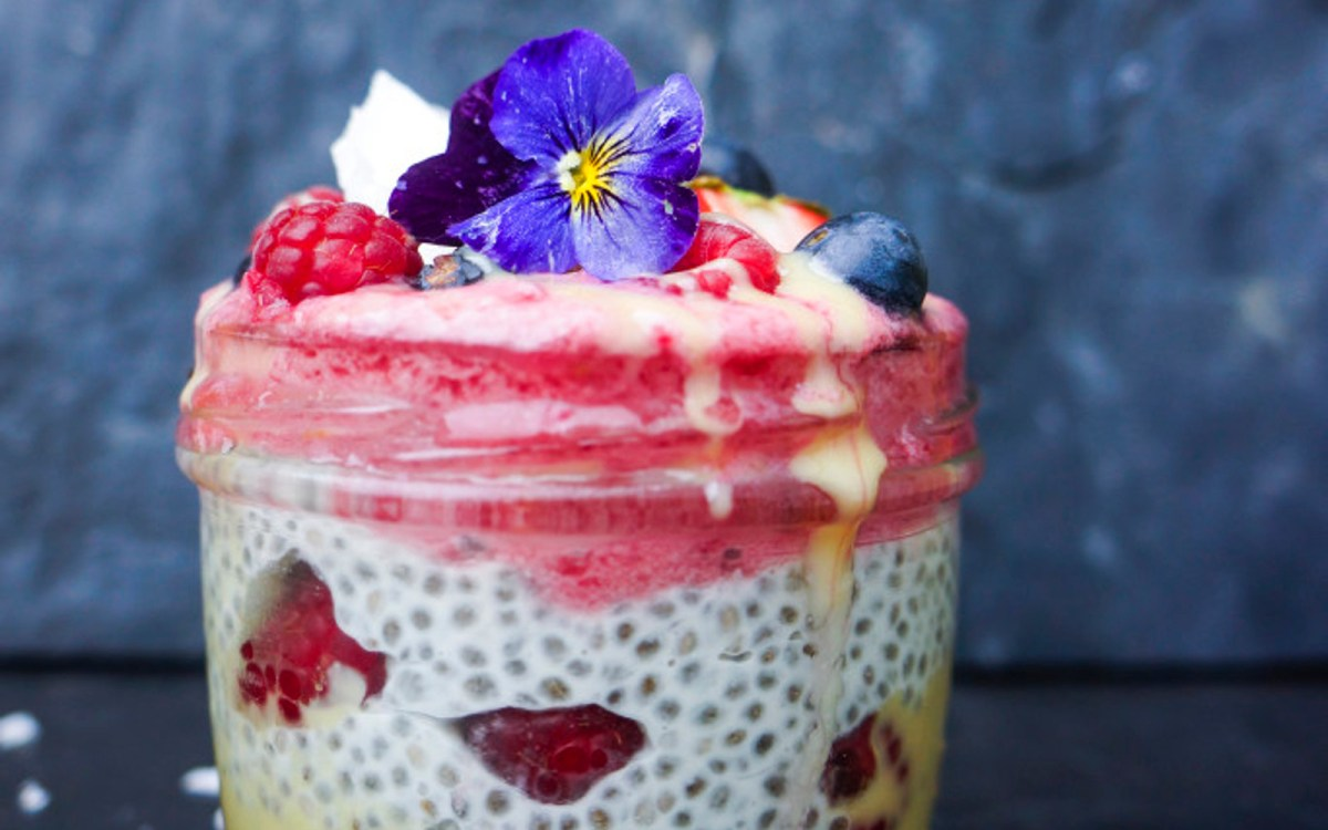 Raspberry Macadamia Coconut Chia Pudding