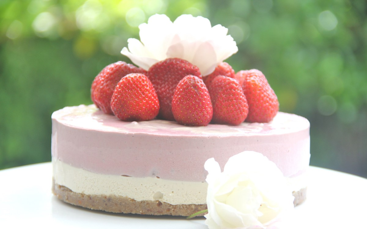 Summer Strawberry Cheesecake