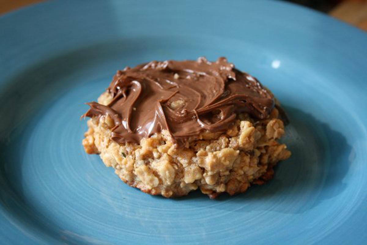 peanut butter granola cookies