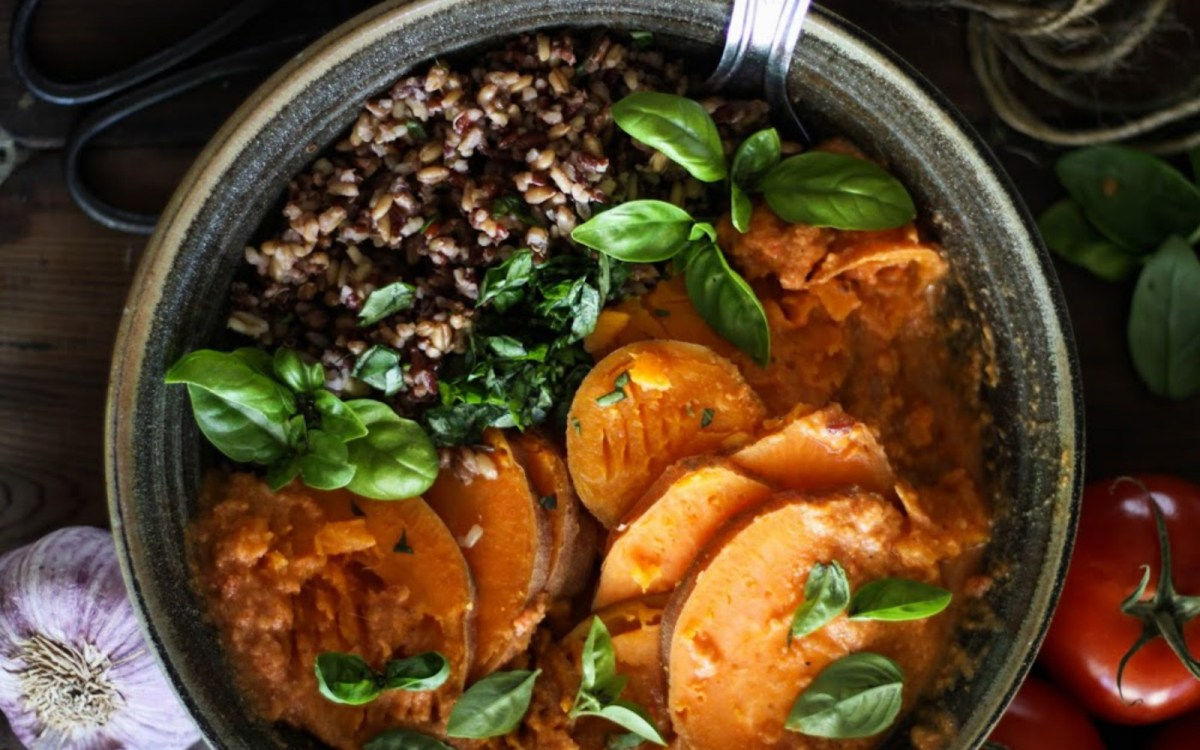 Steamed Sweet Potatoes With Wild Rice and Tomato Chili Sauce